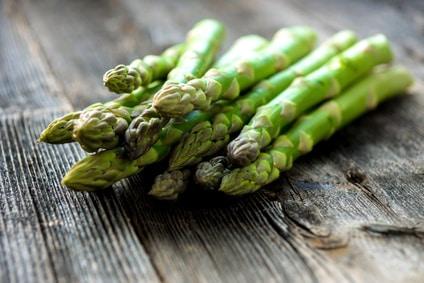 bio Spargel grün